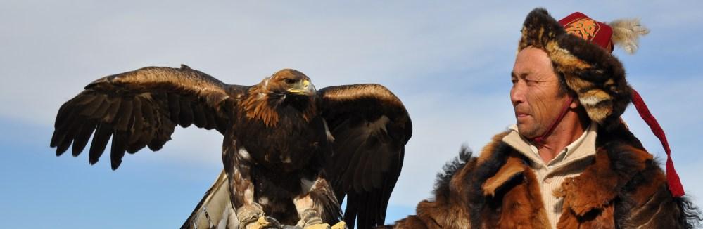 kazakh-mongolian_eagle_hunter